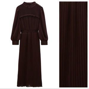 NWT. Zara Brown Pleated Midi Dress. Size M.